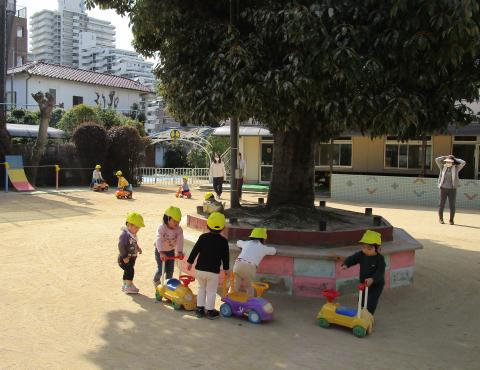 明石 保育園 0歳児