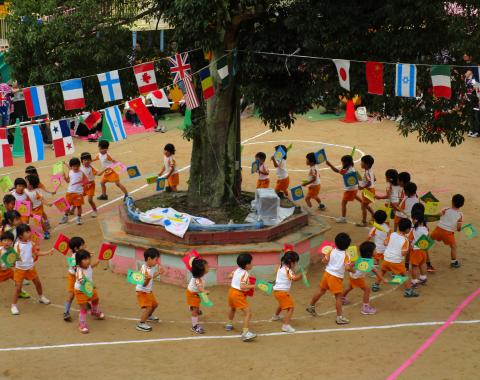 保育園 運動会 ダンス
