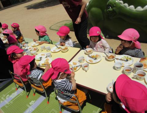 明石 保育園 給食1