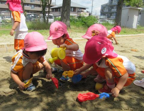 明石 保育園 砂遊び
