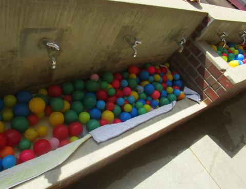 明石 保育園 ボール