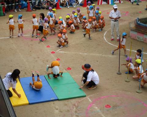 保育園 運動会 障害物競争