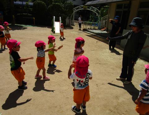 明石 保育園 外遊び