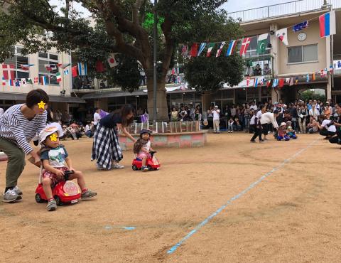 明石 保育園 運動会1歳児 (2)