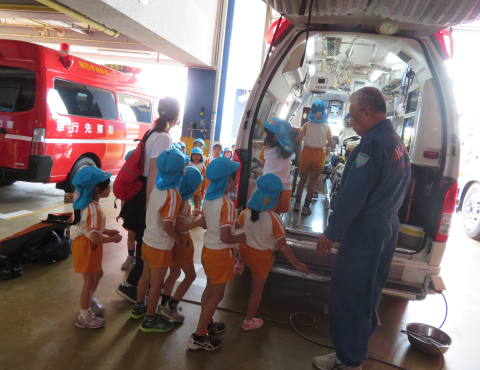 明石 保育園 救急車
