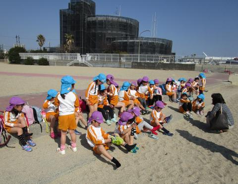 明石 保育園 須磨海岸