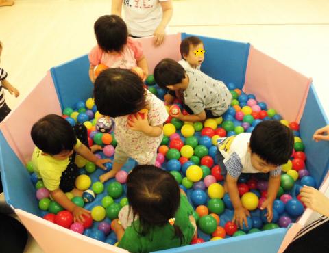 明石 保育園 ボールプール1