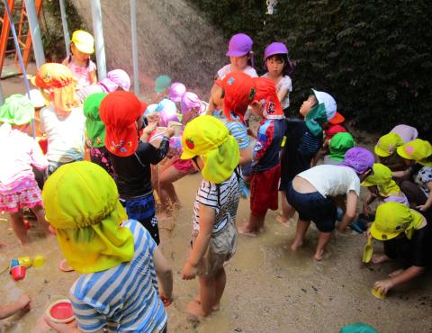 明石 保育園 シャワー