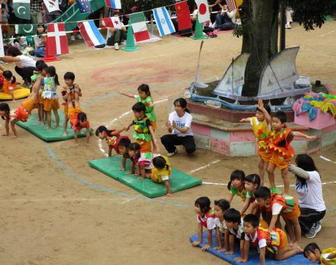 保育園 運動会 組体操