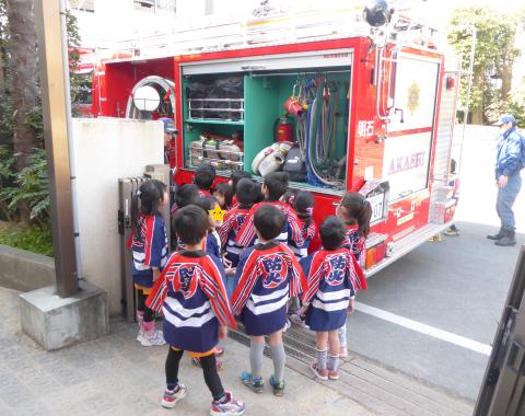 消防車 子供1
