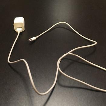 iPhoneのUSB充電アダプター1