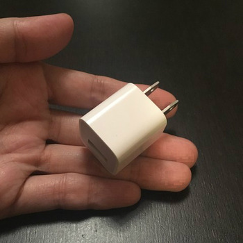 iPhoneのUSB充電アダプター3