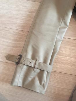 トレンチコート袖のまくり方7