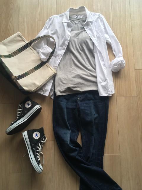 ミニマリストの制服、白シャツのコーディネートまとめ。一枚で様々な場面に対応!【シンプルライフ】