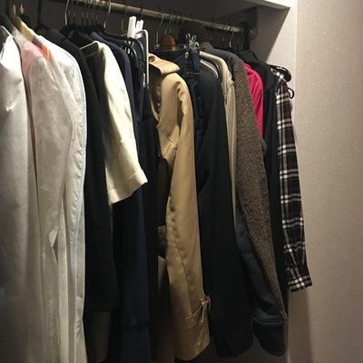 衣替え前のクローゼット
