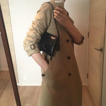 トレンチコート袖のまくり方17