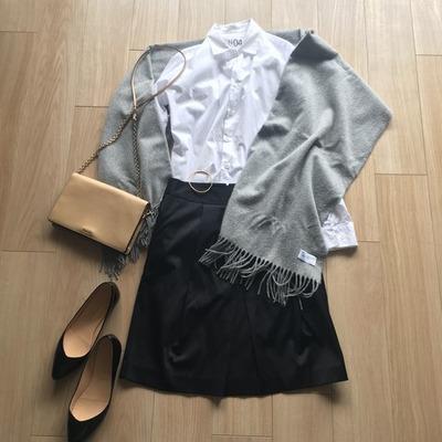 ミニマリストの春服コーディネート