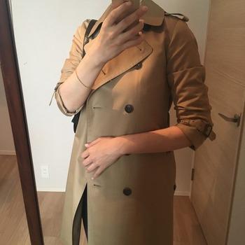 トレンチコート袖のまくり方11