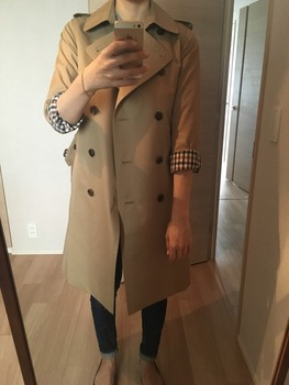 トレンチコート袖のまくり方10