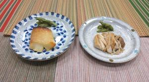 選択食 カレイの味噌漬け焼 または 鶏肉の山椒焼200729
