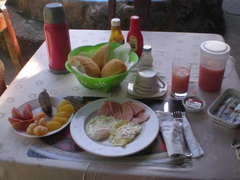 プラヤラルガの旅:朝食