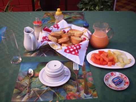 トリニダー_朝食1