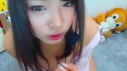 【長尺】ナースコスの妹系巨乳美女がアニメ声で淫語オナニー!!!