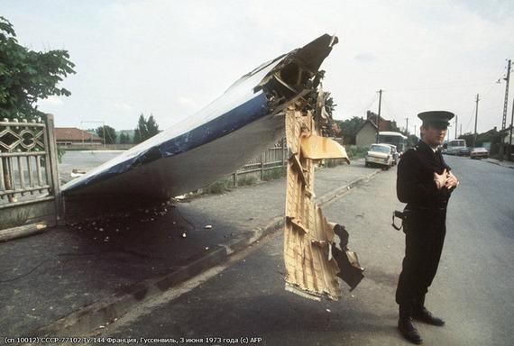 Tu-144_crash_08