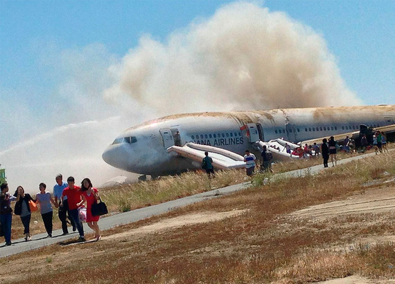 Asiana Airlines_boeing777crash_03
