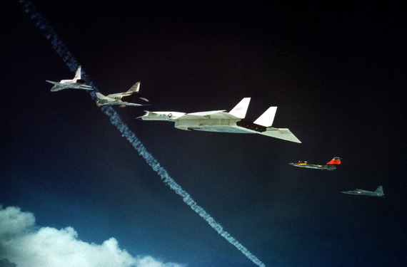 xb70_crash_05