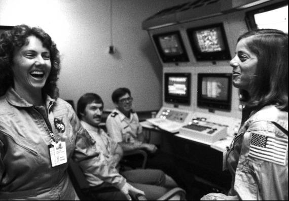 Space-Shuttle-Challenger-disaster_14