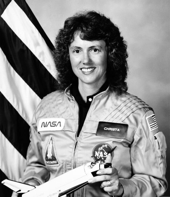 Space-Shuttle-Challenger-disaster_02