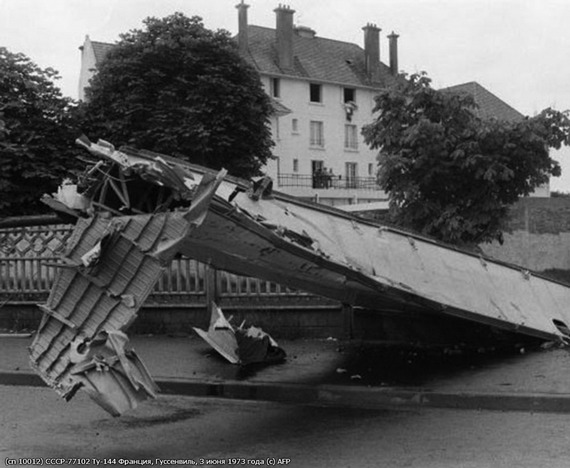 Tu-144_crash_06