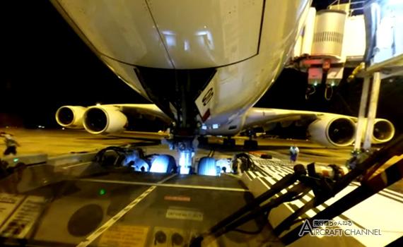 Qantas-A380-800-Pushback-VH