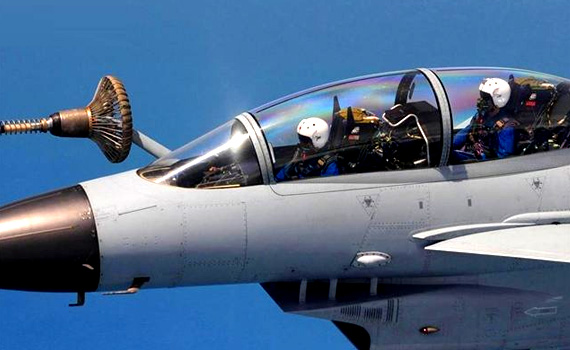 J-10-Air-refueling