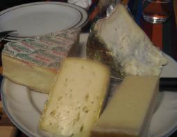 地元のチーズ 16042006