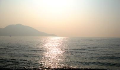 ホテルから。瀬戸内の海