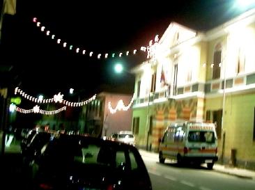 お祭りと救急車