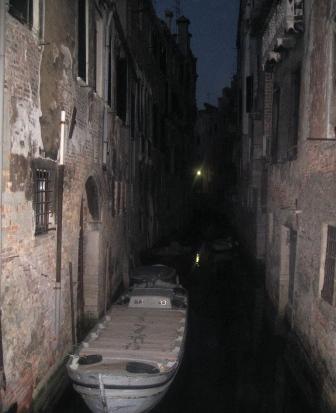 夜のヴェネツィアで
