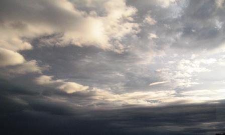 早朝の雲。luglio 2008