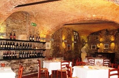 地下にあるレストラン