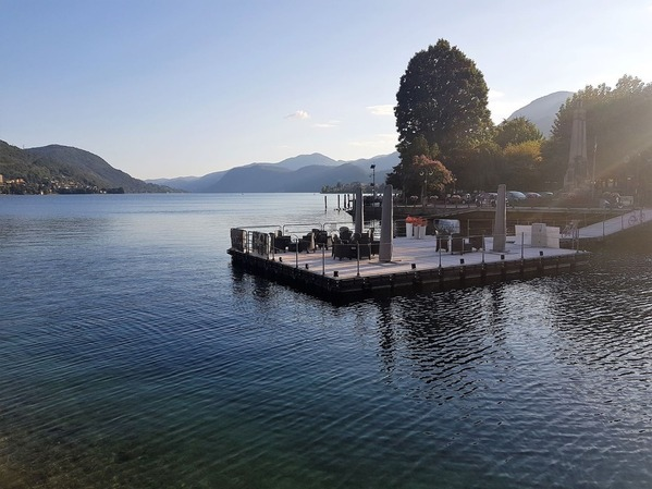 秋のオルタ湖