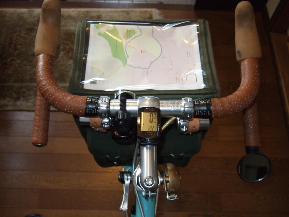 自転車の 自転車 走行距離 時間 : フロントバッグとハンドルバー ...