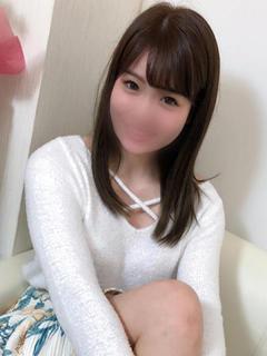 girl_5bf69b5518ea04.75428443_240x320