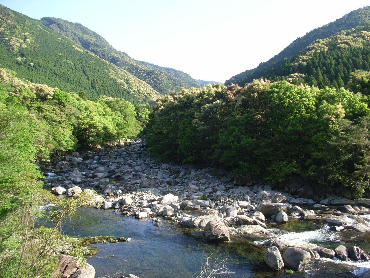 名貫川 名貫川 名貫川の名前の由来は、はっきりしません。 名貫川は、その上流の尾... ワーキン