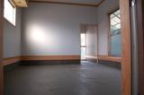 床のコンクリートを塗りました