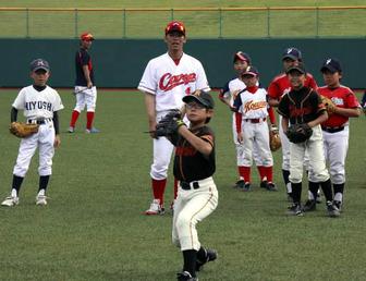 男栗原、小窪、永川らのこども野球教室