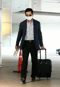 広島の新井コーチが辛そう