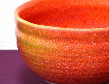 赤い抹茶茶碗の霜降り模様