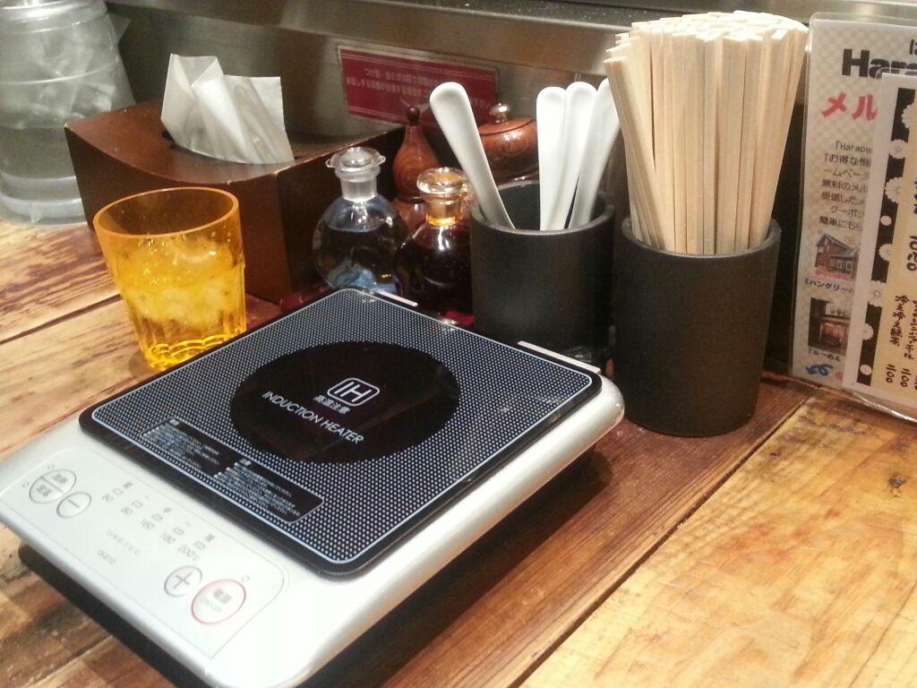 【衝撃】超電磁つけ麺(レールメン)が歌舞伎町で大人気! いつまでも超電磁パワーで冷めない!!
